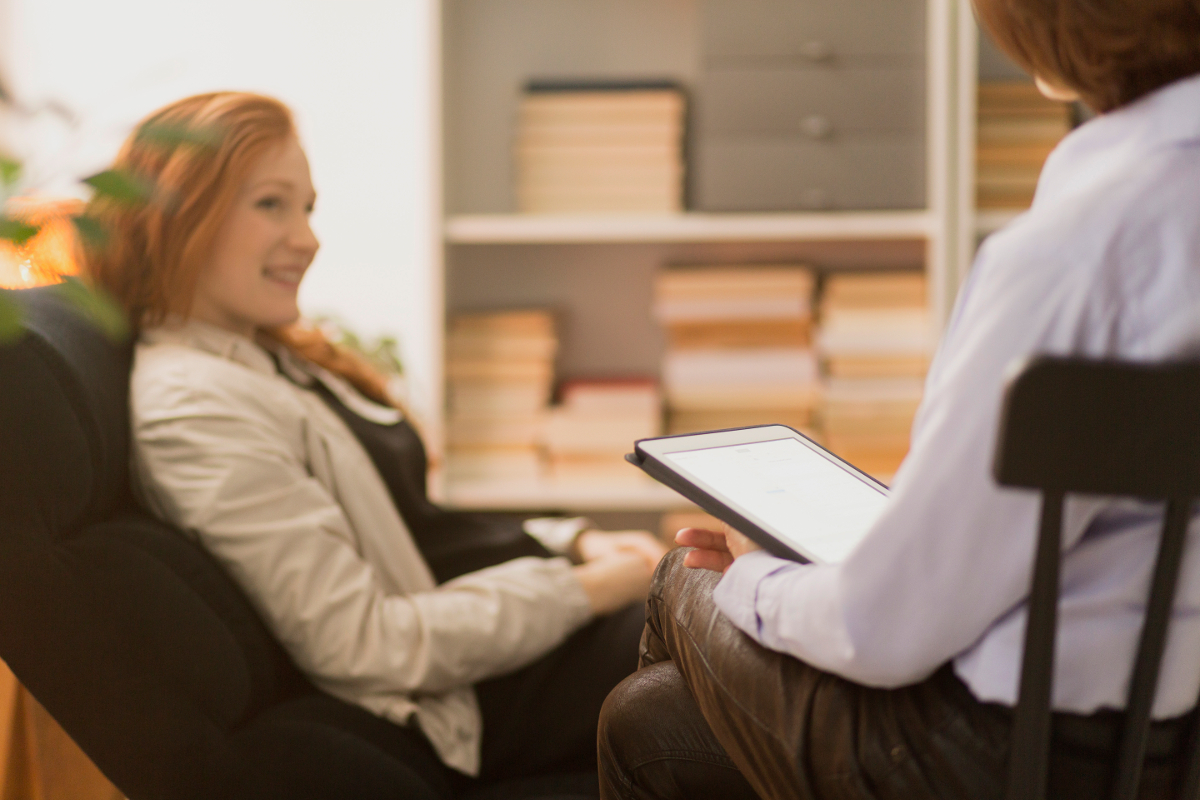 woman-during-psychotherapy